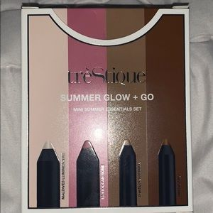 treStiQue Makeup - tréStiQue Summer glow and go mini contour set